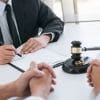 <h3>איך בוחרים עורך דין גירושין מומלץ?</h3>