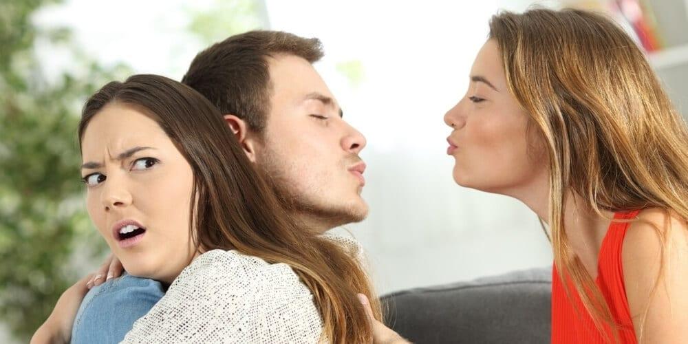 איך מנהלים תיק בגידה בנישואין – עורכת הדין אסתר שלום