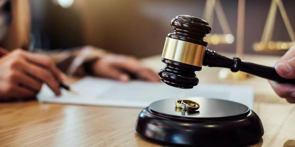 הפרת הסכם גירושין